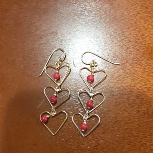 Cute dangly heart earrings